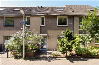Ruth Firststraat 32